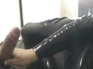 Horny milf plays with a rod in sexy spandex porno video