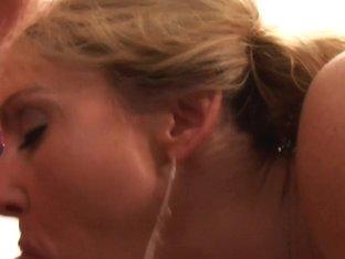 Lori Lust in Desperate MILFs & Housewives #9