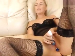 xxxPumaxxx undressed and fucks herself