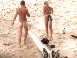 Pair Bonks on beach and in the last this guy cum in her face hole