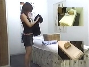 Slim Japanese broad rubbed nicely in voyeur massage movie