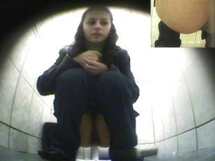 Girls Pissing voyeur video 293