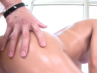 Dillion gets Her Pussy Drilled