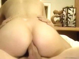 Girlfriend gives a great butt ride