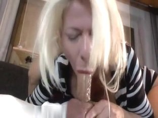Non-Professional pair uploading their intimate home episode