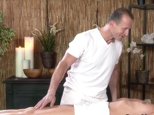 Oiled blonde fucked in massage room till got jizz