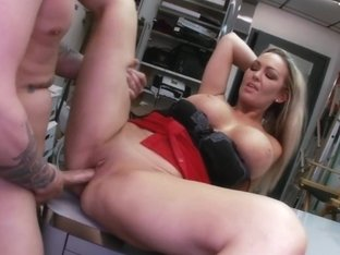 Sexy Big Tit Blonde Fucks Rocker Dude in...