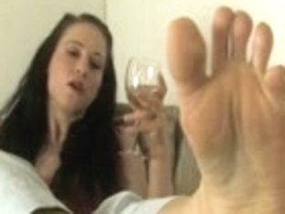 Lesbo Foot Domination