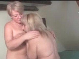 Grannies Lesbian Babes