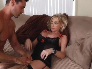 Nadia Hilton & Ryan Driller in Naughty America
