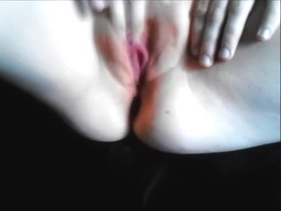 Blond wife can't live without to be fingered
