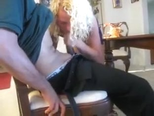 Pizza delivery chap eats my wife slit