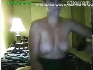 18yo stickam girl 'sillybeckylovesyou' sucks a lollypop, flashes her tits and plays with them.