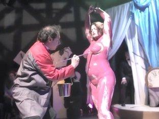 Naked on Stage-134 N10