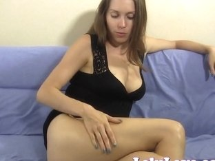 She spreads her pussy and asshole and talks u to orgasm
