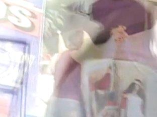 Stunning wench shakes her ass on a hidden camera