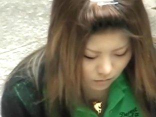 Japanese girl fell victim to an amateur boob sharking