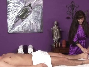 Massage-Parlor: My First Experience