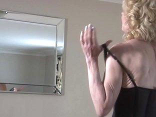 Granny showing off her old but still hawt body