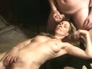 Jerking off my dick on the wife face