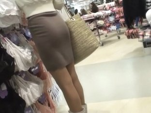 Hot lady shops for a new bra