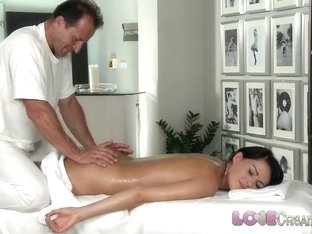 Love Creampie Teen beauty gets oil massage