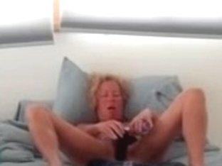 wife masturbating cam