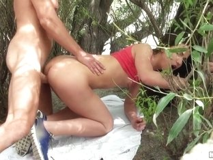Nataly Gold in GF Anally Fucked in Public - LetsTryAnal