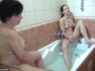 OldNanny Granny and sexy girl masturbate in the bath