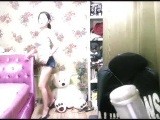 Korean girl sexy dance on cam