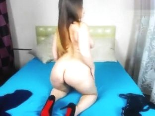 Plump Valerysunny undresses in front of webcam