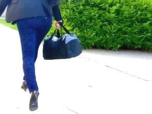 Jolies fesses en jeans d'une beurette