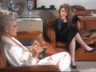 Grey Hair Frau vs Hairy Armpits Fraulein