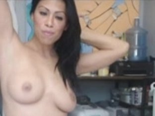 Sexy Colombian sex-bomb