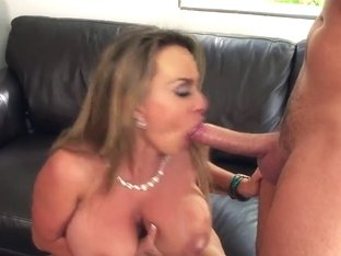 Holly Halston has her MILF twat ate out!