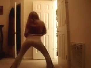 My college girlfriend twerking and shaking her booty