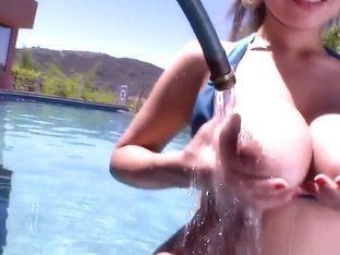 Yurizan Beltran gets her buns watered