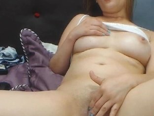Pretty Webcam Cockteaser Shows Boobs and Wet Pussy