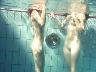 UnderwaterShow Video: Mia nd Petra