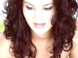 breasty woman i'd like to fuck with hairless pussy masturbates