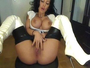 Masturbation in Overknees