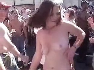 Topless on a Concert