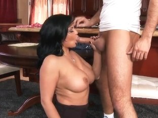 Busty mommy Sophia Lomeli sucking the good cock