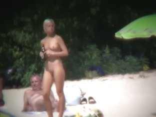 Nudist beach voyeur shots of sexy and tanned women