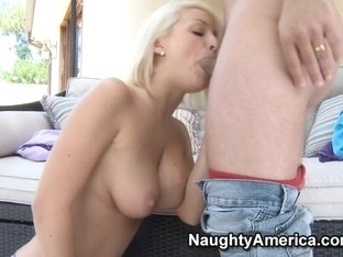 Lexi Swallow & Mr. Pete in I Have a Wife