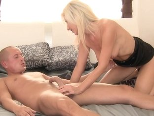 MAMMA Blond mother I'd like to fuck makes love to her boy-friend
