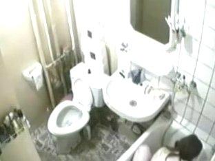 Voyeur camera spying on this lady taking a bath