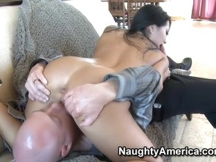 Asa Akira is a acupuncture specialist