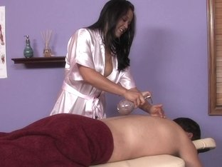 Massage-Parlor: Rookie To The Rescue