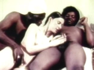 hot retro threesome havingsex